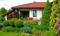 Przytulny dom parterowy - z ogrodem zimowym i tarasem naziemnym