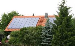 Z jakim źródłem ciepła połączyć kolektory słoneczne, aby ogrzewanie domu było możliwe