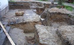 Znalezisko archeologiczne na budowie domu. Czy konserwator zabytków może wstrzymać budowę domu?