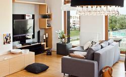 Renowacja drewnianej podłogi. Jak zmienić kolor desek podłogowych?