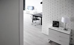 Jak wykończyć dom w stylu skandynawskim? Prosty minimalizm w domu i na zewnątrz