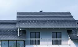 Systemy pokryć dachowych. Nowoczesne rozwiązanie dla dachówki cementowej