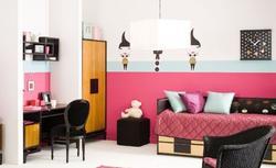 Malowanie ścian. Fajne triki, dzięki którym wnętrza będą większe, wyższe lub bardziej przytulne