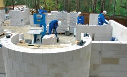 Łatwe budowanie. Dlaczego warto znać parametry betonu komórkowego?