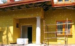 Docieplenie domu: jaki system ociepleń metodą lekką mokrą wybrać? Porównanie